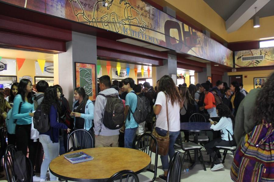 OHS students stand in lines at the cafeteria.
